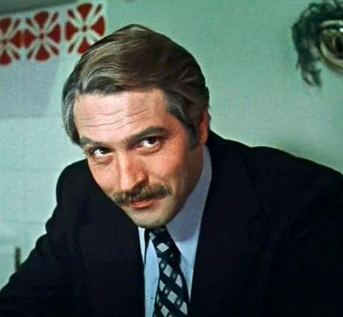 Трогательный и отталкивающий Родион из «Москва слезам не верит», актер был полным антиподом своего героя