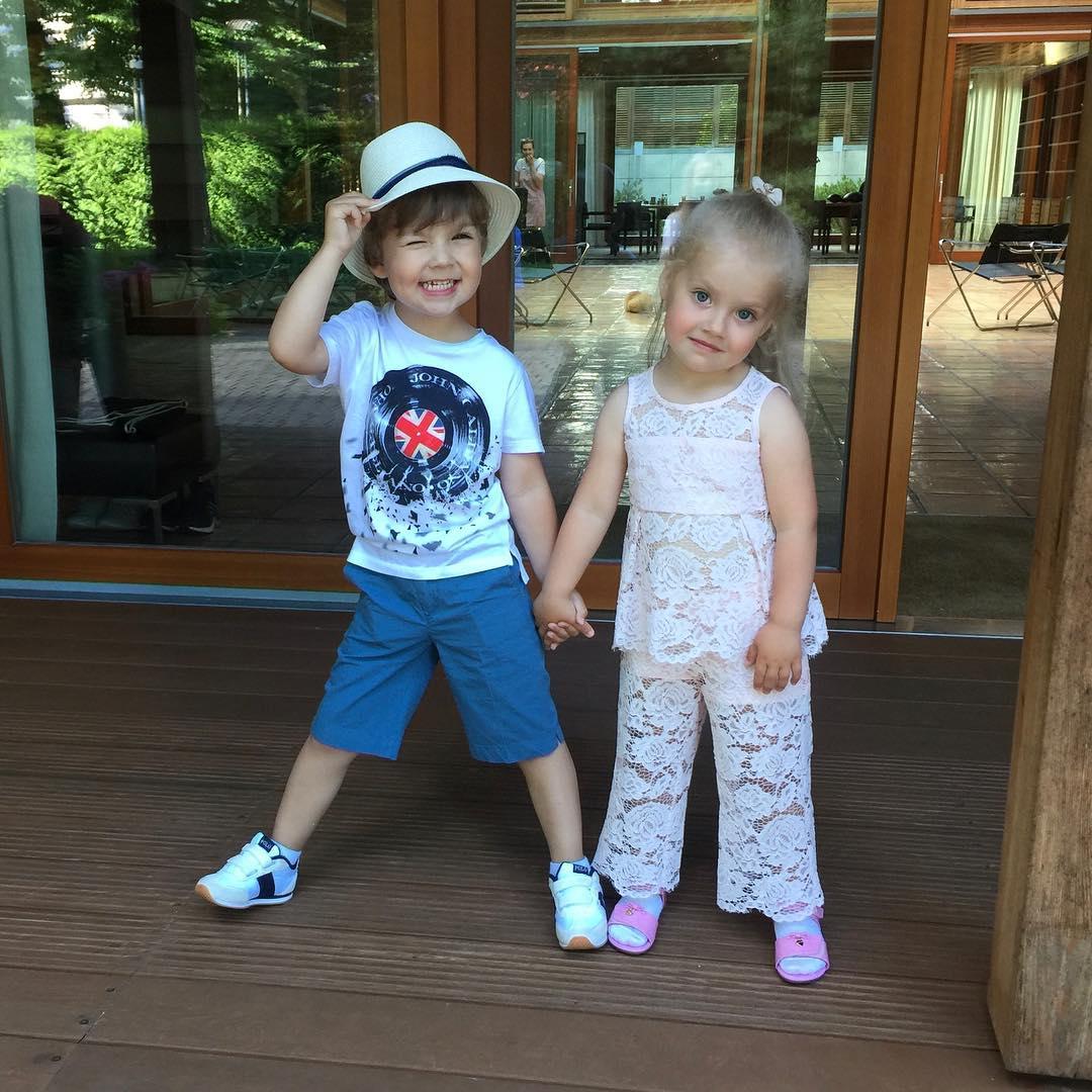 Максим Галкин впервые честно рассказал о напряженных отношениях внутри семьи