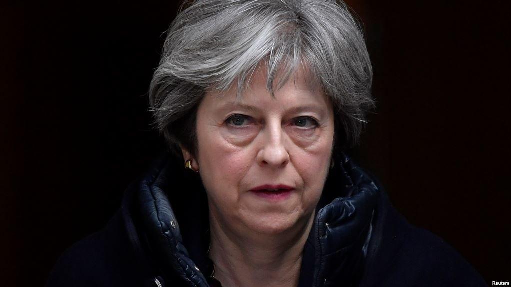 Премьер Британии будет извин…