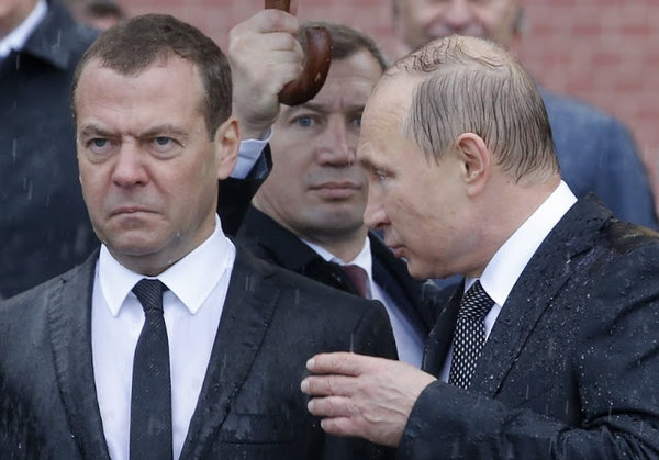 Грудинин заменит надоевшего Медведева? Путин готовится к переменам!