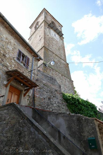Ангиари. Часовая башня