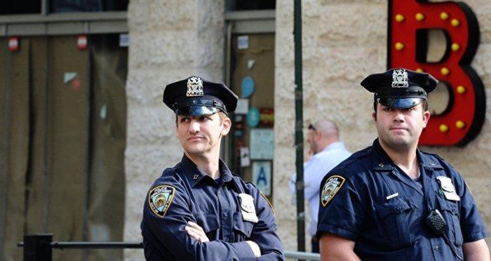Даже полицейским на них все равно.