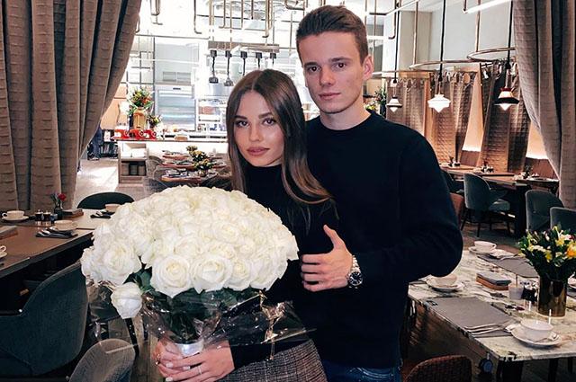21-летний сын Валерии Арсений Шульгин объявил о помолвке Звездные пары