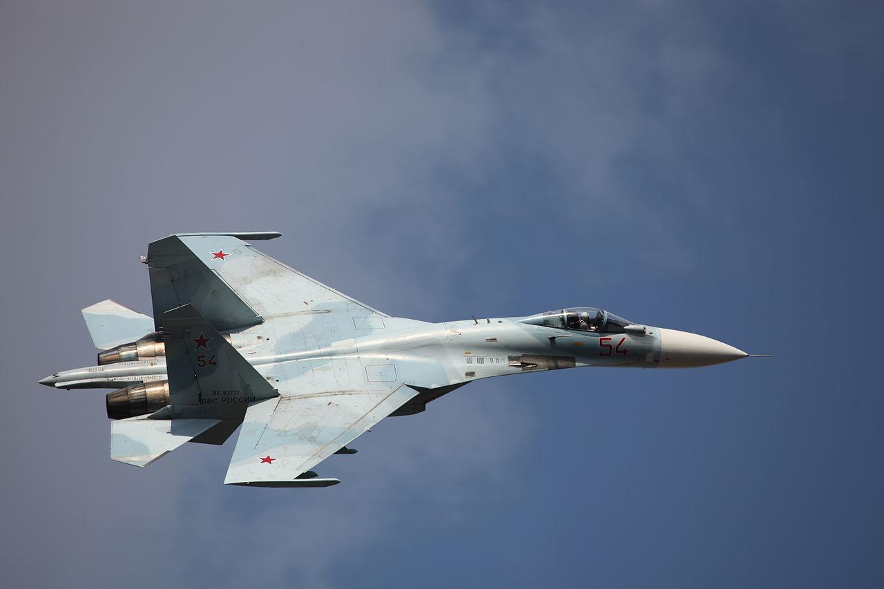 Истребители Су-27 перехватили американские самолёты над Чёрным морем