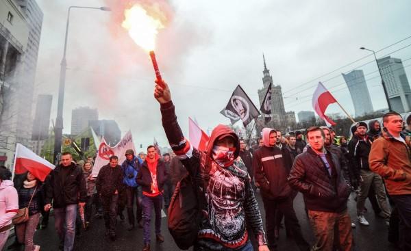 Варшава Брюсселю: расхлебывай, голубок, все это сам