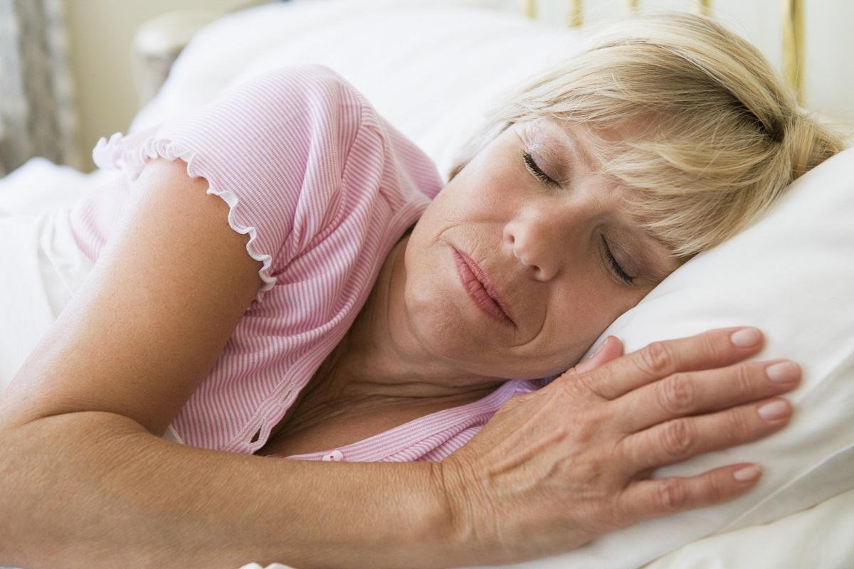 Спящие зрелые тетки, Качественное порно спящих зрелых женщин есть на 20 фотография