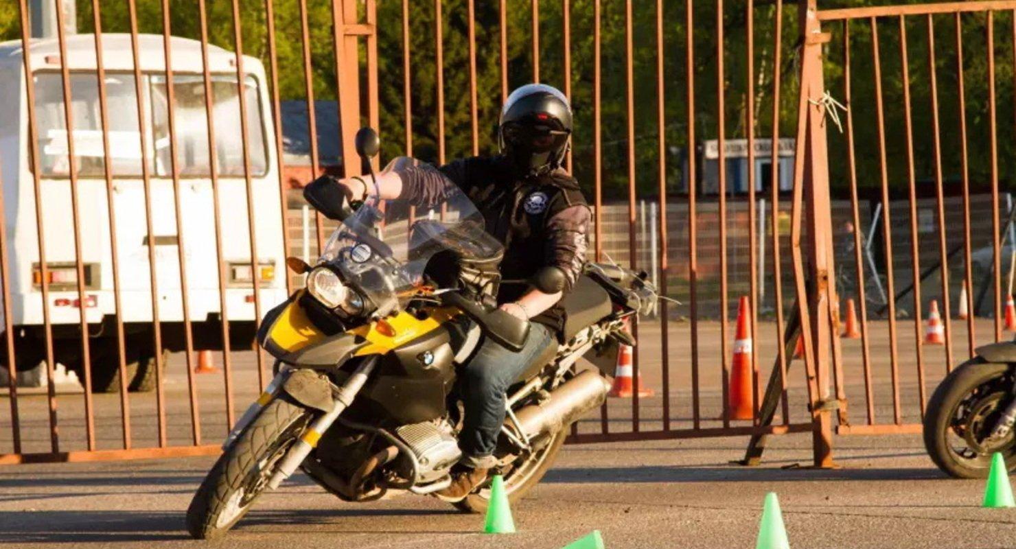 Эксперты подсчитали траты мотоциклистов на подготовку к сезону в России Автомобили