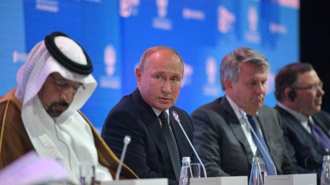 Скрипаль - подонок, США - жертвы типичной ошибки империй: Цитаты Путина грозят стать афоризмами
