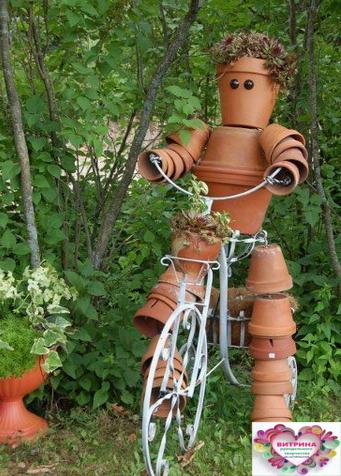 Сделали оригинальный декор на даче. Вот это у людей фантазия! handmake,поделки для сада,поделки своими руками