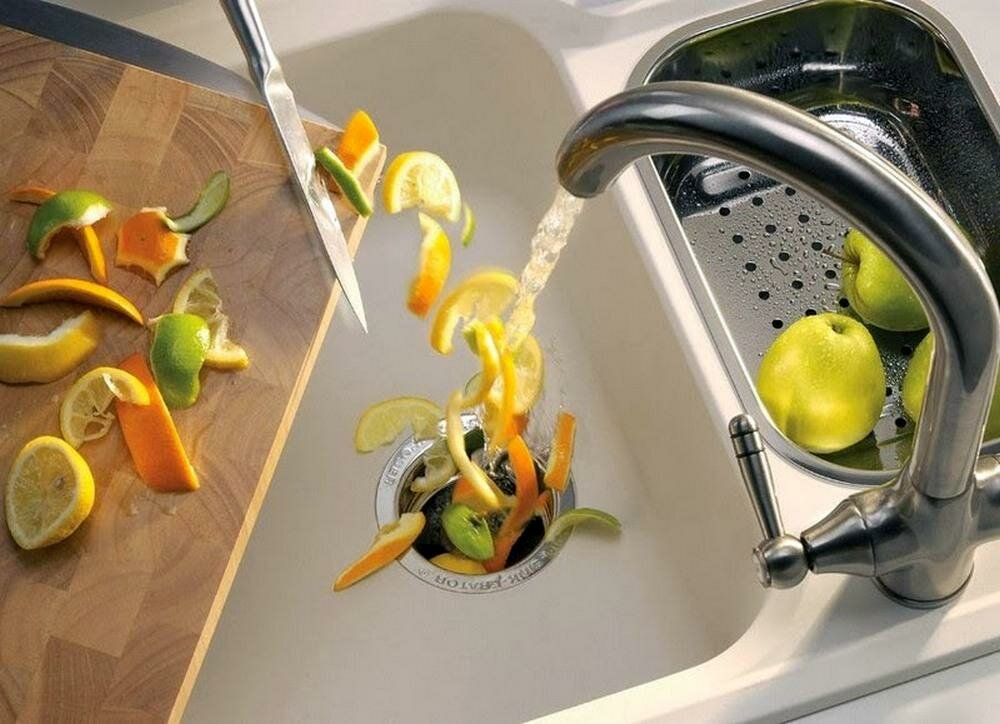 Американцы не дураки: Почему они ставят в кухонные мойки измельчители пищевых отходов, а мы нет?