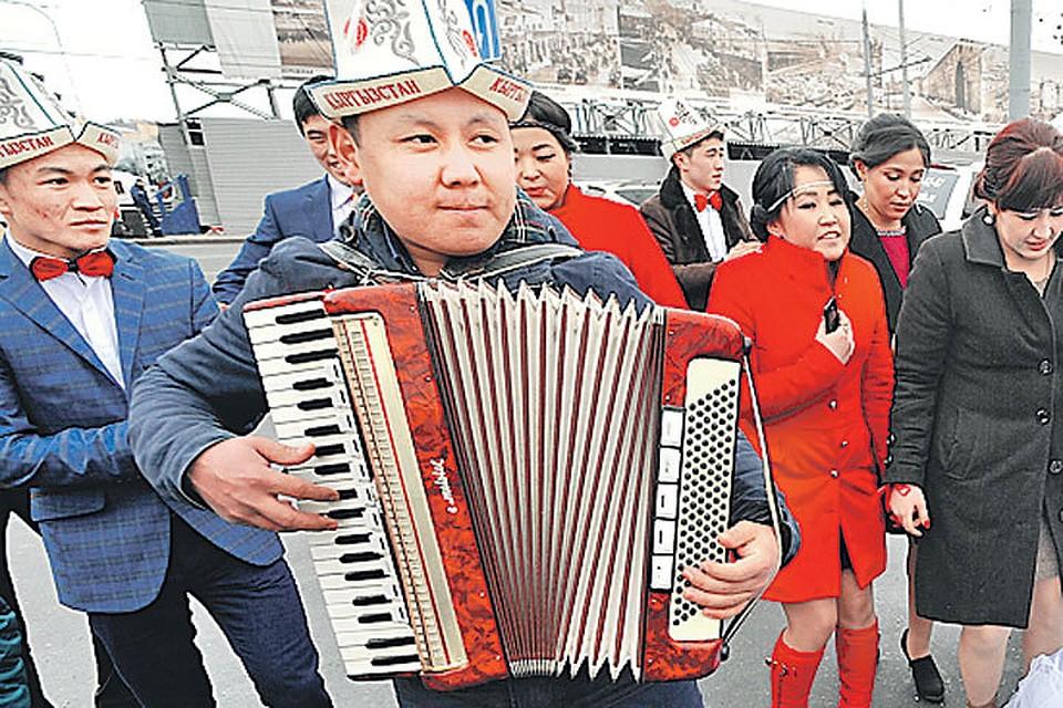 Mигранты из Киргизии обустраивают под себя столицу России