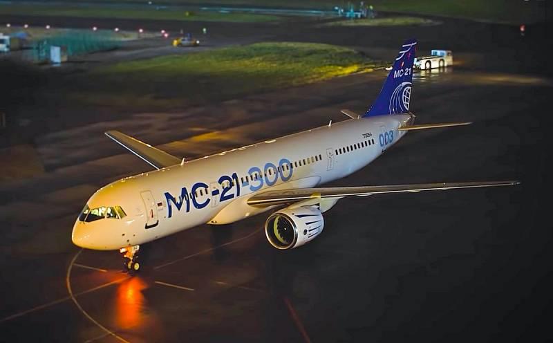 Ответ на санкции: Россия должна отобрать у Boeing и Airbus не только титан, но и свое небо