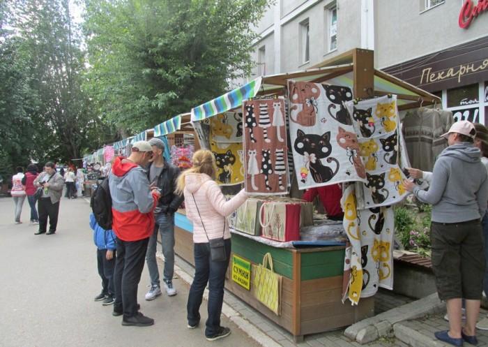 Особой популярностью у туристов пользуются полотенца с котиками. /Фото:nz39.ru, пользователь natalya5419