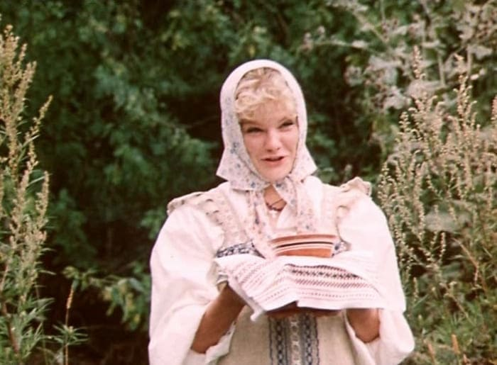 Александра Захарова в фильме *Формула любви*, 1984 | Фото: tainyvselennoi.ru