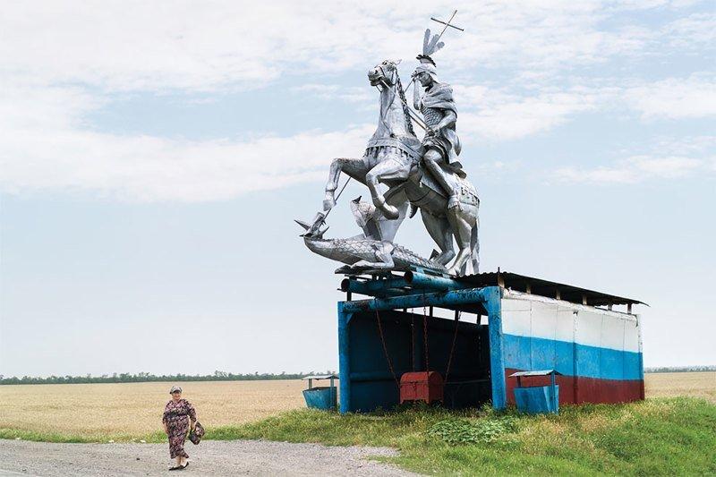 Советские автобусные остановки глазами канадского фотографа