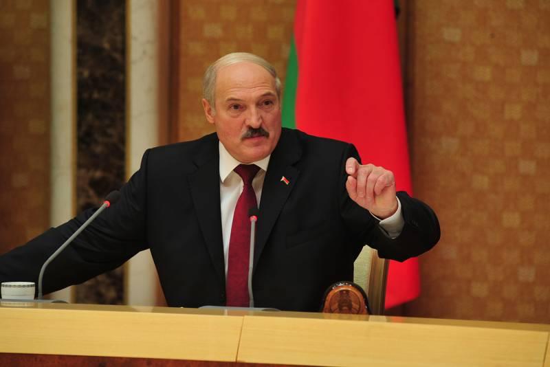 Лукашенко: Белоруссия и Росс…