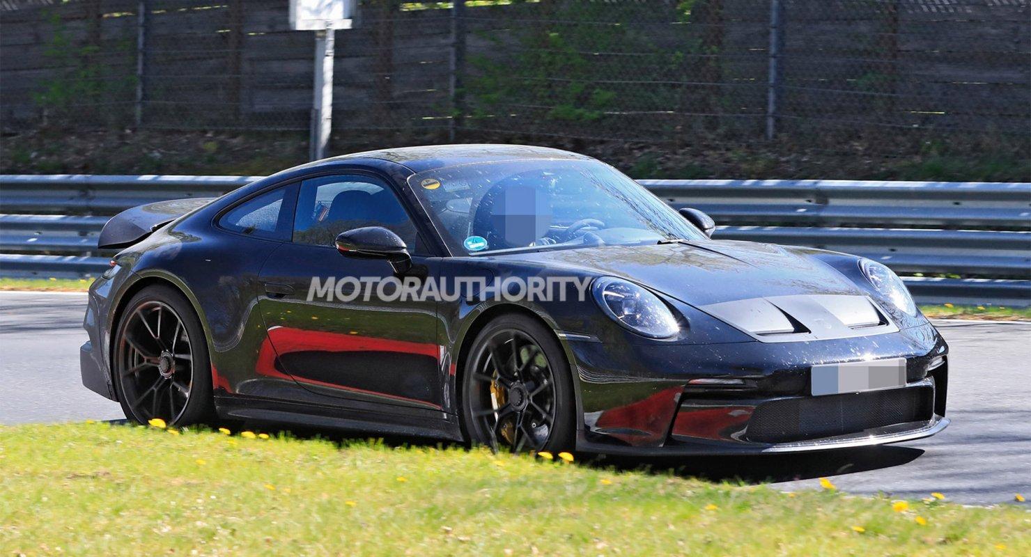 В Сети опубликовали шпионские фото Porsche 911 GT3 2022 года Автомобили
