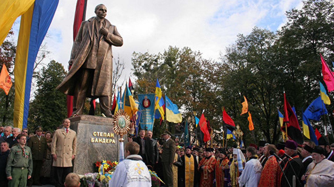 Обыкновенный нацизм и переформатирование сознания украинцев