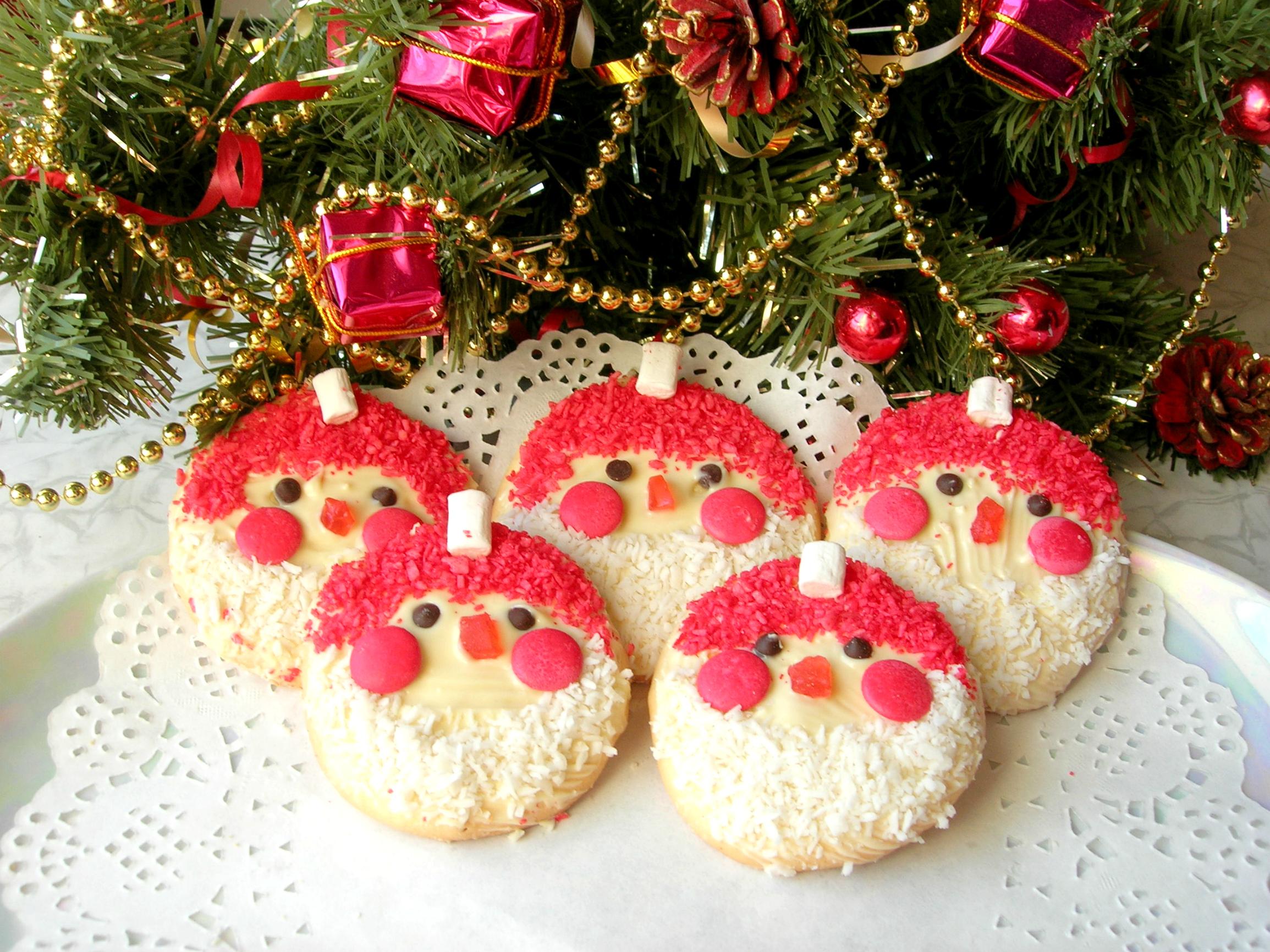 Новогодний десерт «Дед Мороз». Простая идея, которая удивит гостей! выпечка,дед мороз,десерты,кулинария,новогодний десерт,печенье,рецепты