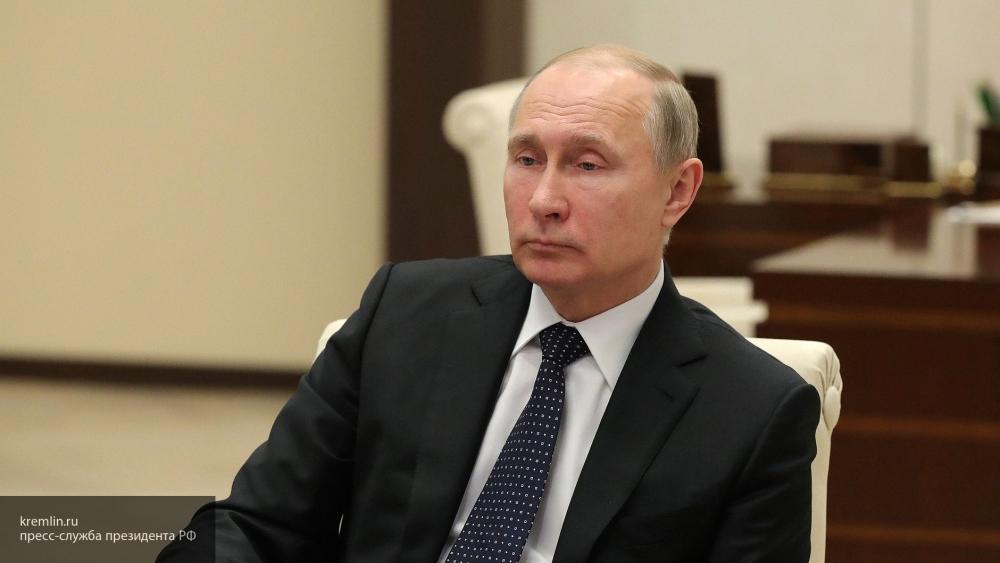 Владимир Путин возложил вено…