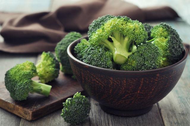 Брокколи изобилует антиоксидантами, которые надежно защищают сердце от разрушительных свободных радикалов