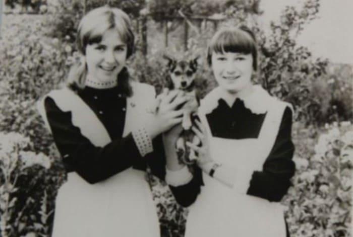 Елена Яковлева (слева) в школьные годы | Фото: 24smi.org