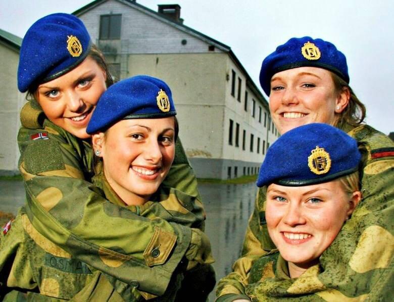 Девушки, служащие в армии Норвегии