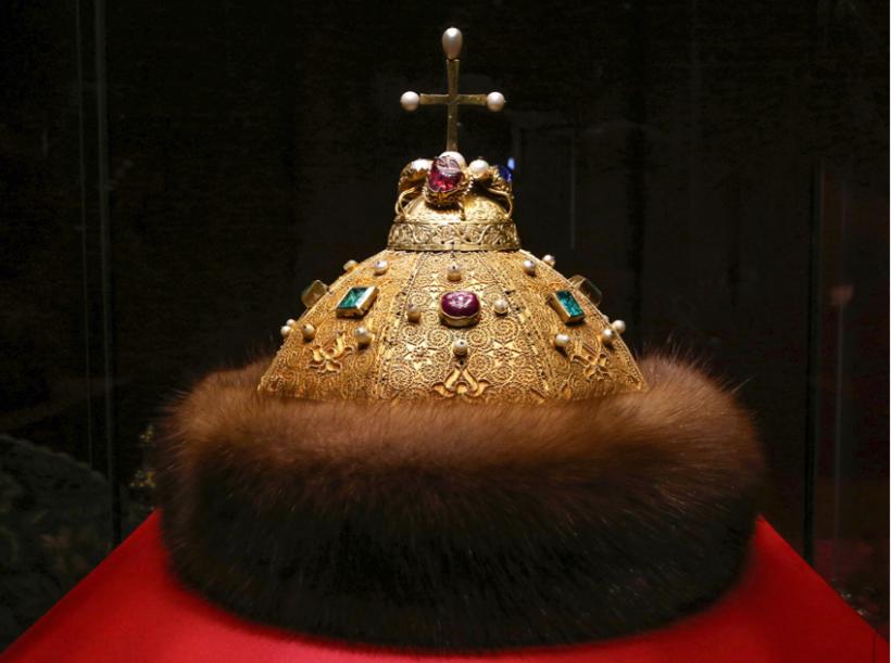 большие фотографии шапки мономах слой подгузника выполнен