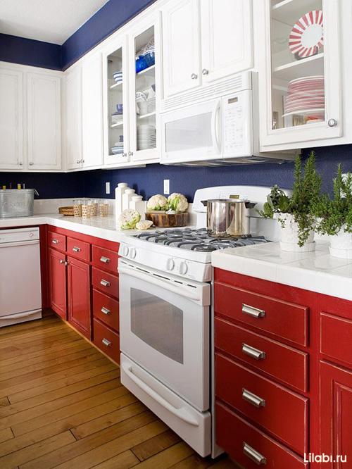 Сочетание белого и красного в интерьере кухни
