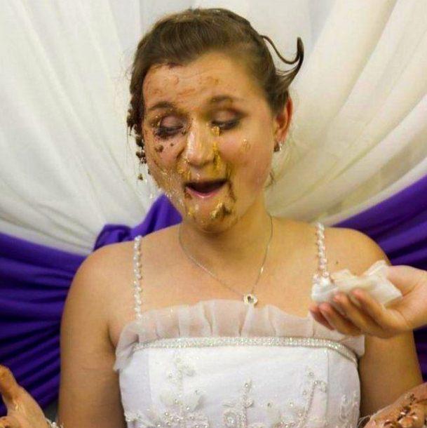Свадьба пела и плясала. У меня от смеха болит живот
