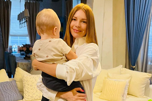 Наталья Подольская и Владимир Пресняков поделились фото из домашнего архива в честь дня рождения младшего сына