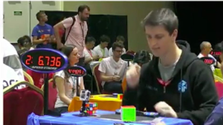 Australian Sets Insanely Fast Rubik's Cube Records At World Championships