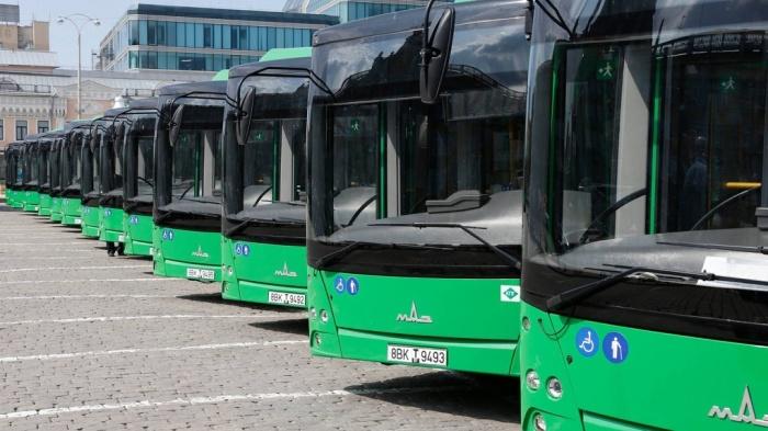 Почему в СССР городские автобусы красили в «охру»