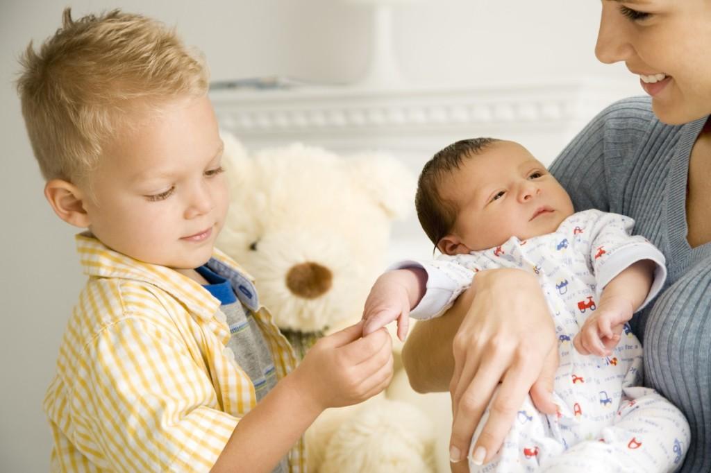 Как не срываться на ребенка после рождения младшего