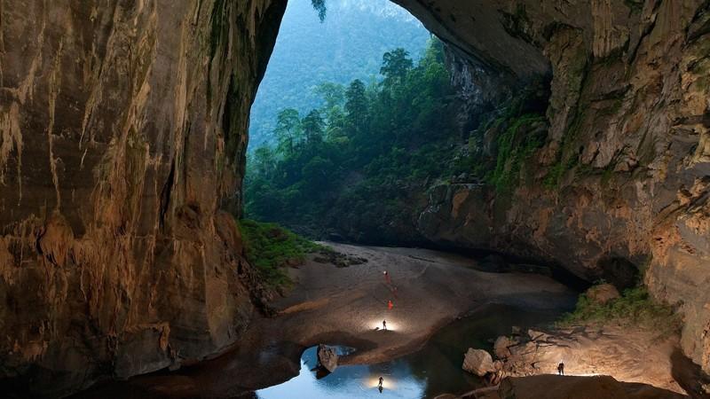 12. Пещера Ханг Сон Донг во Вьетнамских джунглях красивые места, прекрасная планета, чудеса природы