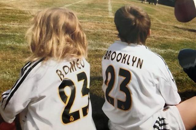 Бруклин Бекхэм отмечает день рождения и получает поздравления от родных и близких в соцсетях Звездные дети