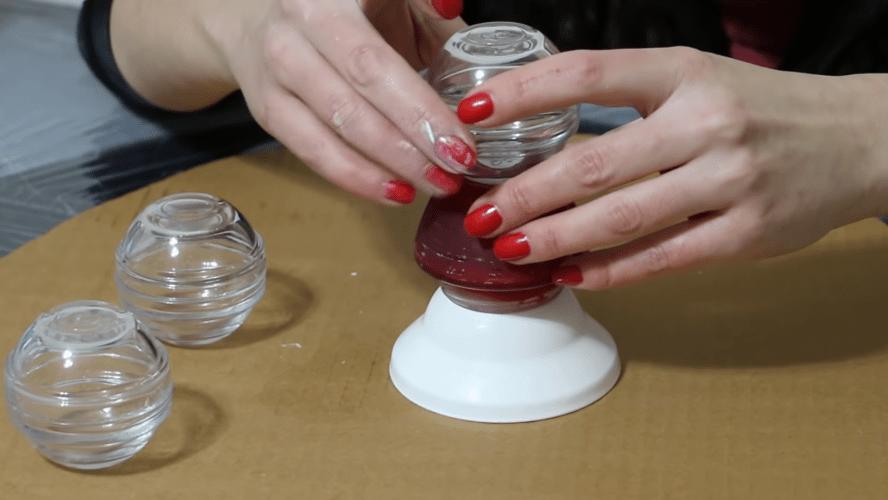 Примитивное пластиковое ведро трансформируется в эффектную лампу легко и просто интерьер,переделки,рукоделие,своими руками,сделай сам
