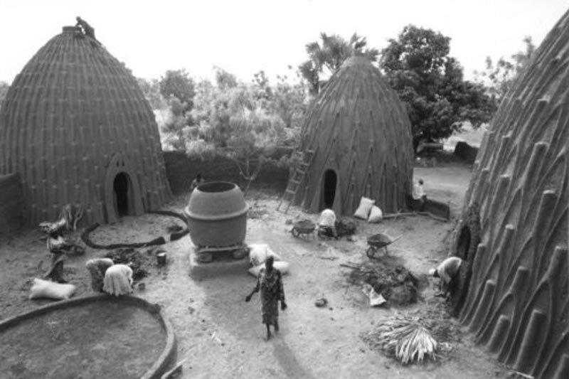 В течение прошлых трех столетий народ Мусгум обосновался в поймах, которые пересекают границу между северным Камеруном и Чадом архитектура, африка, интересное, строительство, факты, шедевры