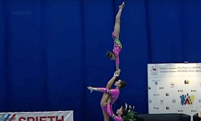 Выступление гимнасток на чемпионате