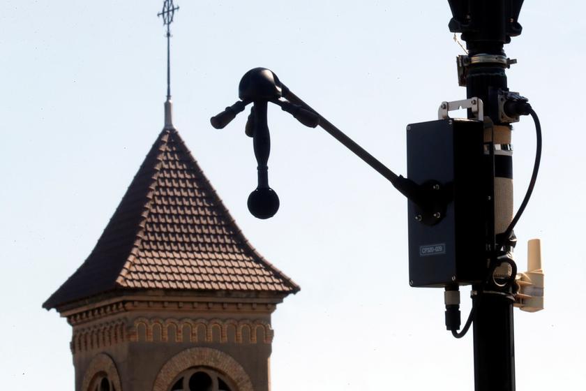 В Париже тестируют «шумовые радары», штрафующие слишком громкие машины