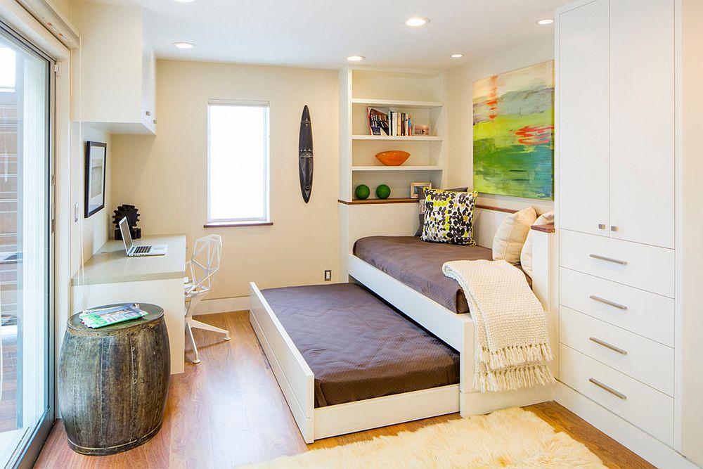 Домашний мини-офис легко превращается в комнату для гостей
