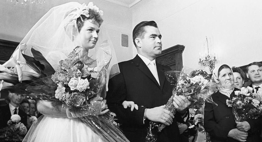 Церемония бракосочетания летчиков-космонавтов Валентины Терешковой и Андрияна Николаева