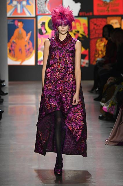 Неделя моды в Нью-Йорке: Белла Хадид и Кайя Гербер в цветных париках на показе Anna Sui сезона осень-зима 2019/2020 Новости моды