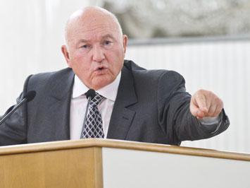 Юрий Лужков обещал и вернулся