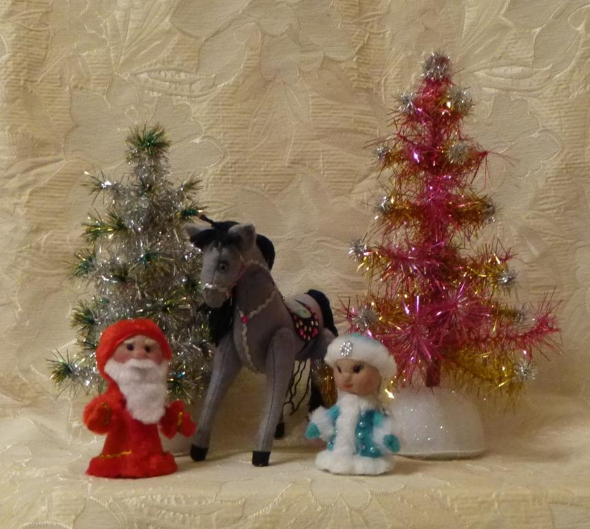 Игрушки-сувениры к Новому году в моем исполнении