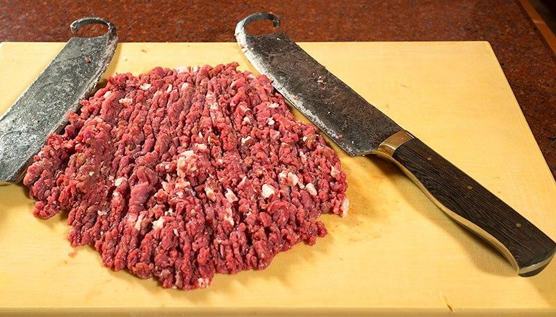 Как приготовить домашнюю колбаску в фольге