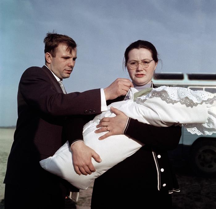 Рождение первой дочери Гагариных.
