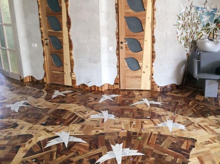Мозаичный пол из древесины.