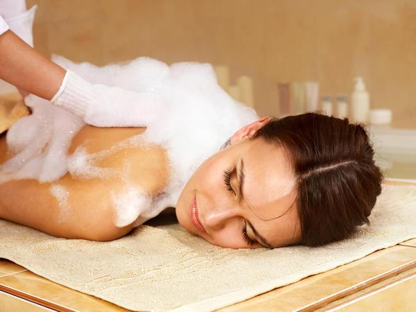 Что и как лечит баня: польза бани, противопоказания и техники работы веником баня,здоровье,лечение,полезные свойства,противопоказания,профилактика