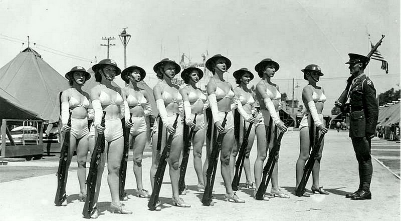 Неканонические военные и послевоенные фотографии времен Второй Мировой войны
